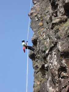 Rappelling on Thumb's Up