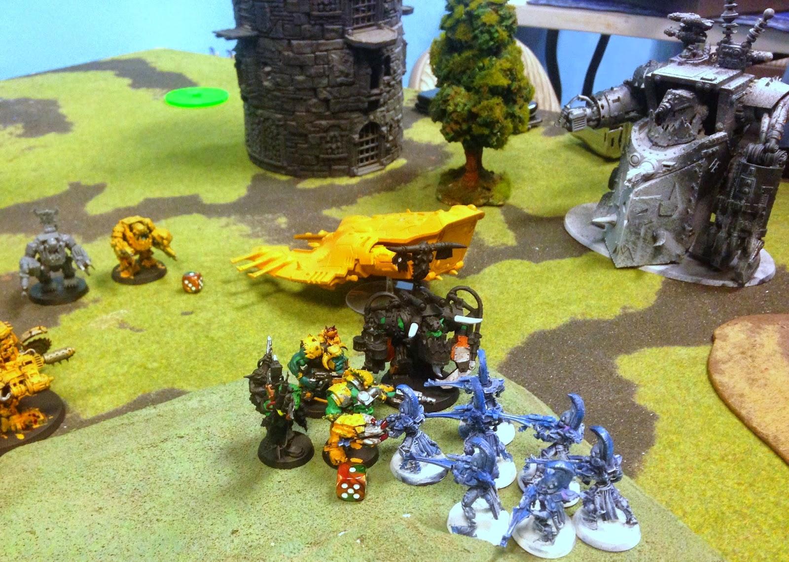 Ghazghkull Thraka in close combat, Orks fighting Eldar, Warhammer 40K, Battle Gaming One