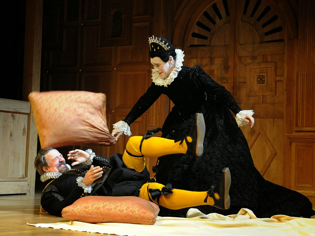 character analysis of malvolio in twelfth night by william shakespeare Despite the ambiguous and shifting gender roles in theplay, twelfth night remains a romantic comedy in which the characters are destined for marriagein such a world, homoerotic attraction cannot be fulfilledanalysis of major charactersviola like most of shakespeare's heroines, viola is a tremendously.
