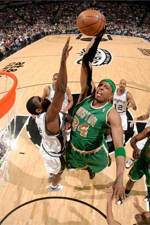paul pierce dunking on kobe. #52 Paul Pierce Boston Celtics