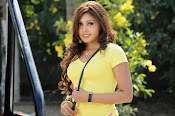 Komal Jha unseen photos gallery-thumbnail-6