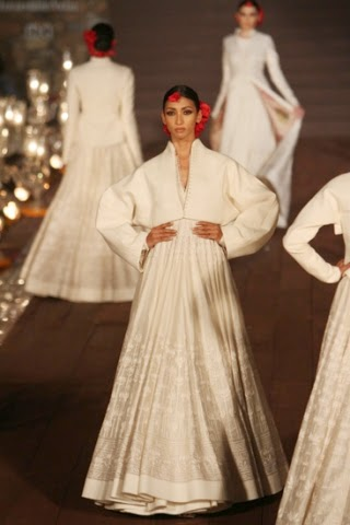 Rohit Bal WIFW S/S 2015 www.footnotesandfinds.com