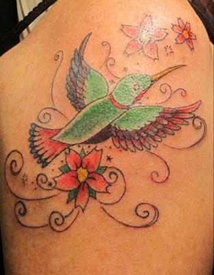 Bayan Omuz için Kuş Dövme Deseni