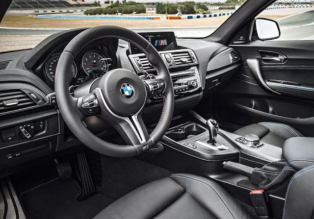 BMW M2クーペ インテリア