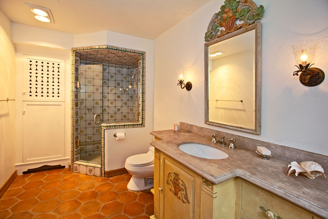 Another bathroom in the Mel Gibson's house with shower, mirror and sink