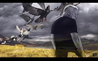 """O guitarrista e vocalista do Pink Floyd David Gilmour anunciou na última quinta, 16, a data do lançamento do novo disco. Um dia depois, divulgou a primeira música do trabalho, """"Rattle That Lock"""", que dá nome ao álbum, o primeiro solo dele desde On An Island (2006). O registro chegará às lojas em 18 de setembro. Após quase dez anos, David Gilmour vai lançar um novo álbum. O ex-guitarrista do Pink Floyd divulgou o single """"Rattle That Lock"""",."""