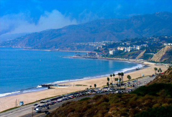 Places best explored in a limo pacific palisades limousine for Where is pacific palisades