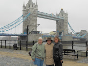 Here they are with Delys outside the Tower of London with the Tower Bridge . (tracey chyral delys tower bridge)