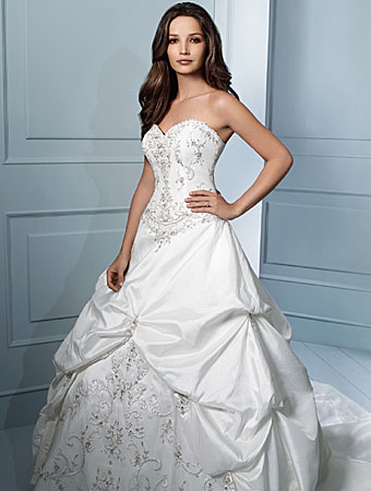 It 39s glam of wedding dress beautiful bride who will make your husband