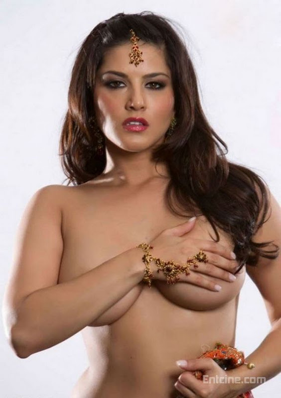 sunny leone boobs pictures