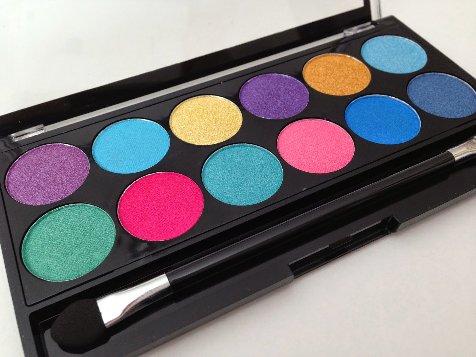 MUA-Poptastic-Palette-Review-swatch
