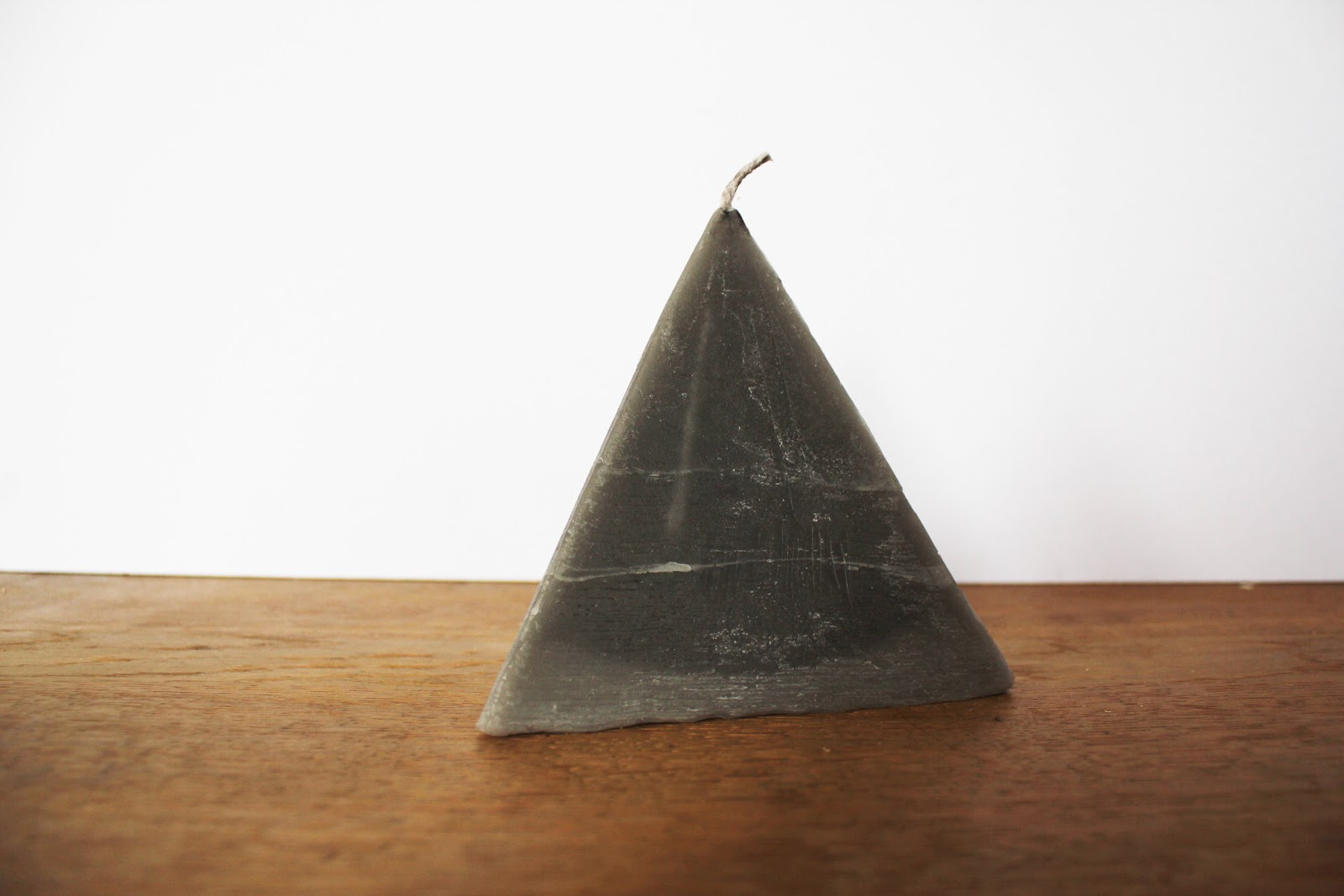 diy pyramid candle minimal crafts