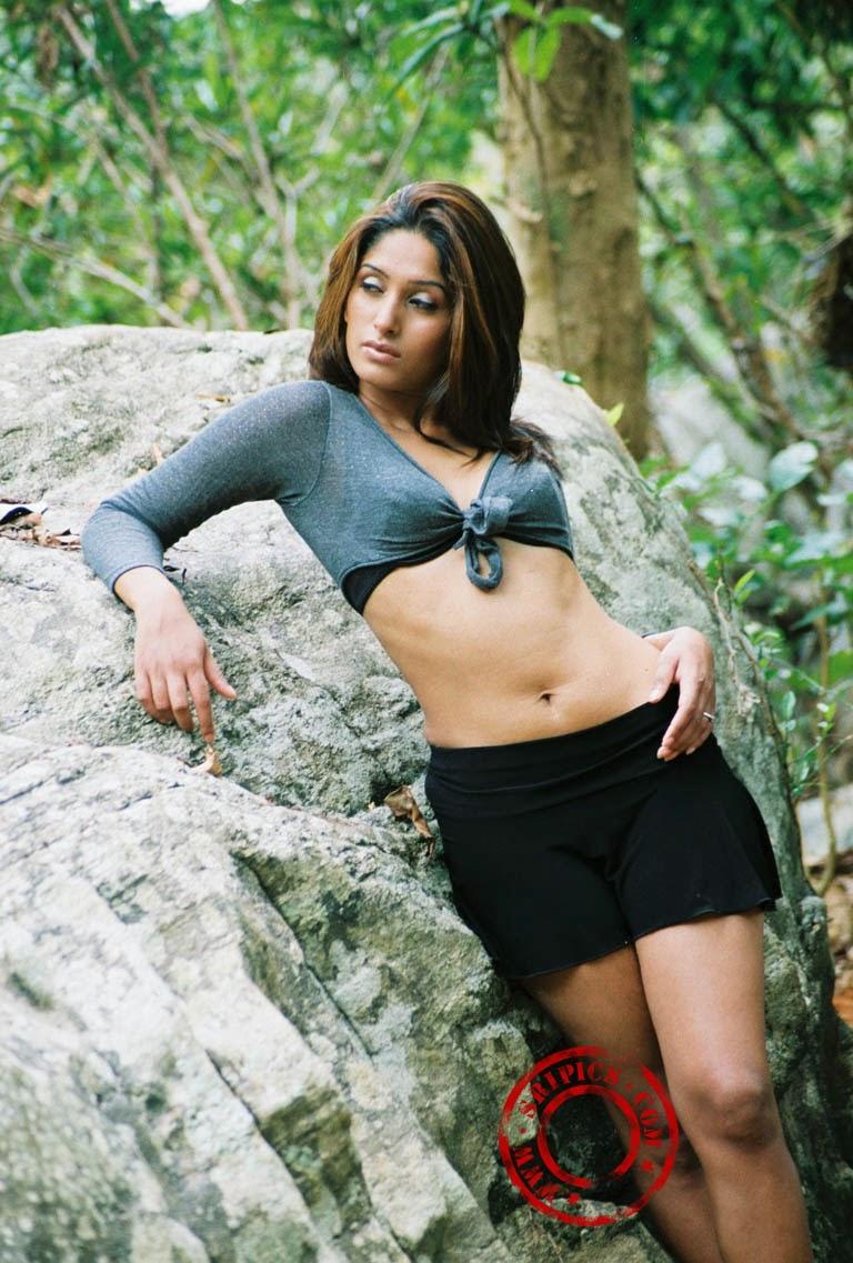Sl Hot Actress Pics Susan Hot Sexy Thighs Show Hq
