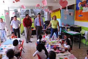 Atiende Américo Zúñiga peticiones de maestros del Jardín de Niños Alfonso Pruneda