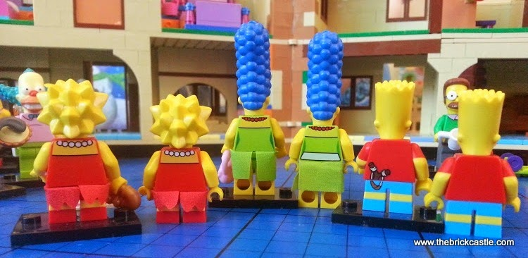 Back of LEGO Simpsons family minifigures compared with house figures