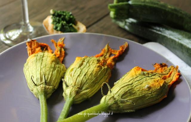 fiori di zucca al forno ripieni con ricotta, acciughe menta e limone