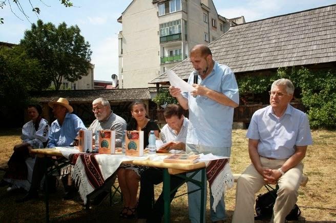 """Bistrița, 24 iulie 2012 - Lansarea de carte """"Portul tradițional românesc din Bistrița-Năsăud""""."""