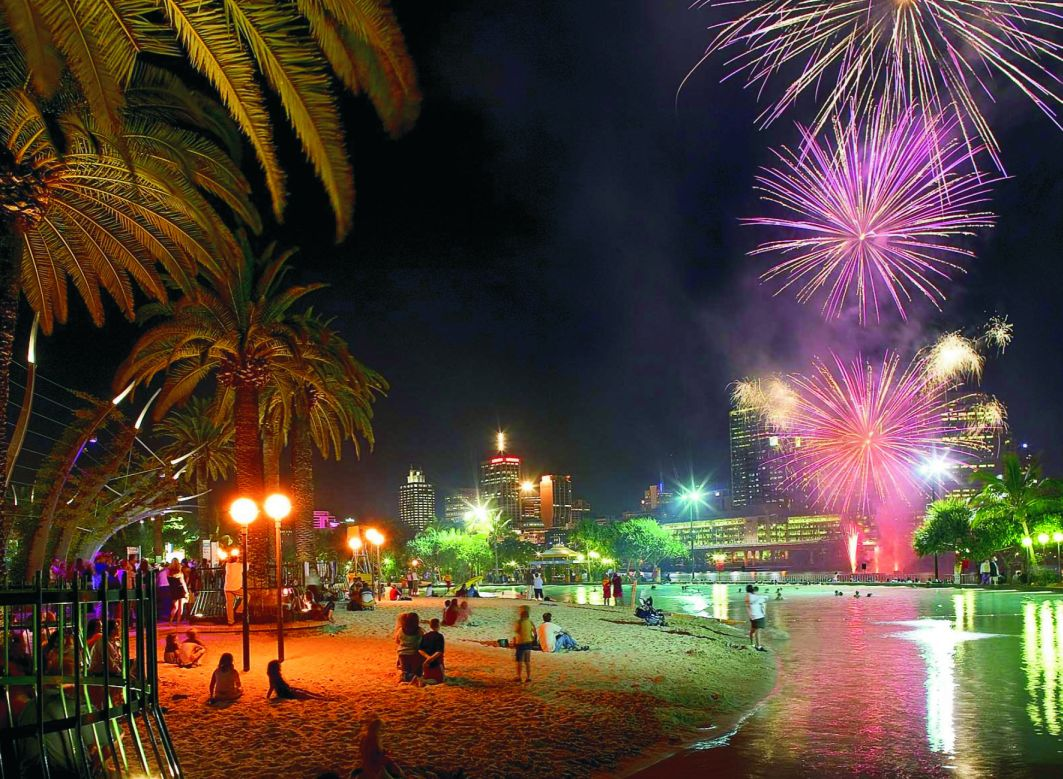 Playa Southbank_Beach_Fireworks_Night