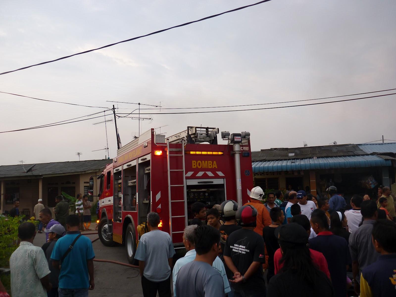 Azam punyer kehidupan: Rumah terbakar di Kg Melayu, Kluang