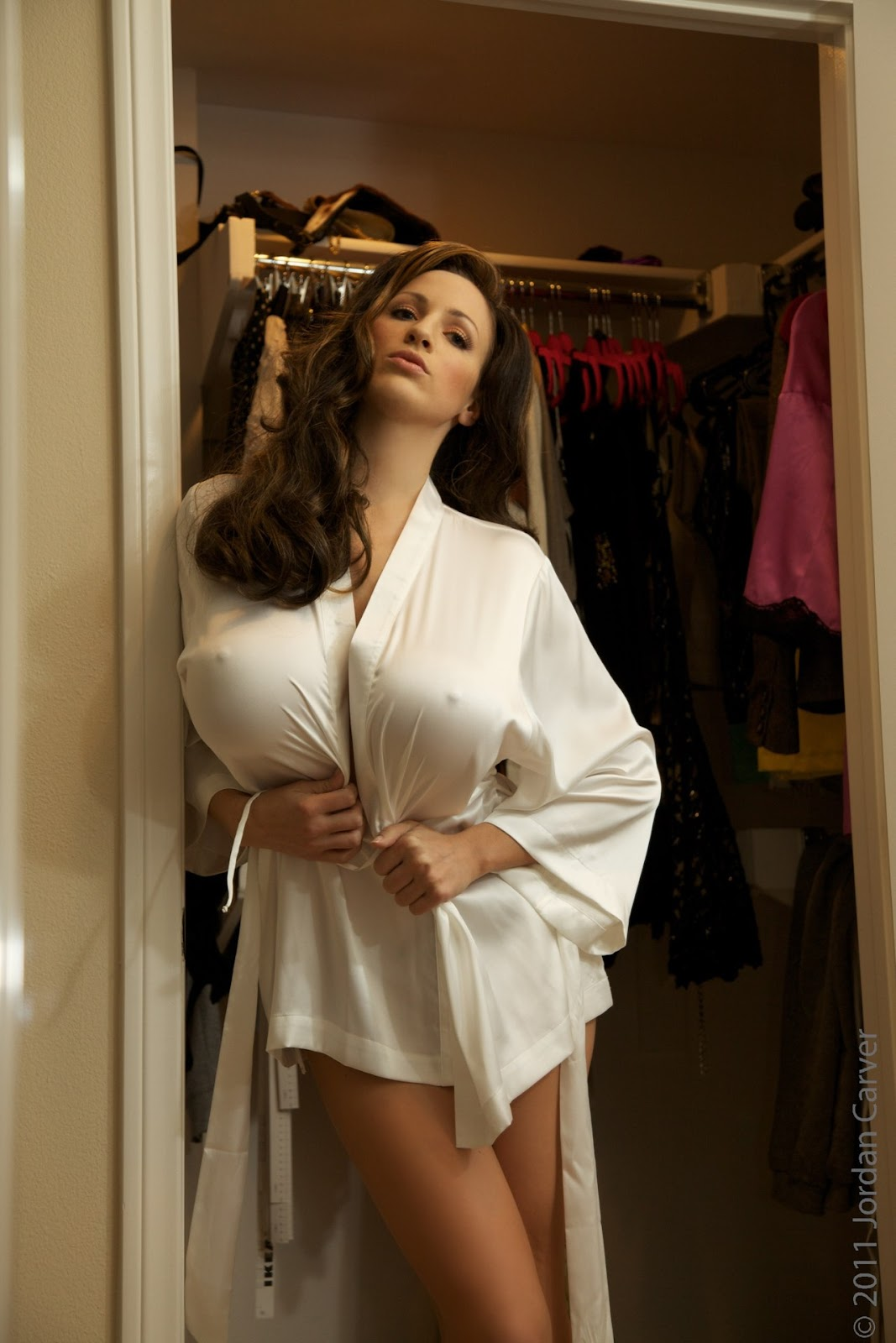 Jordan carver wardrobe for Hot blog photos
