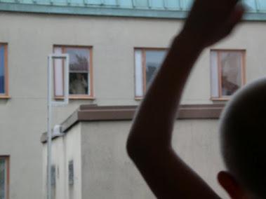 Saaja ja luovuttaja huiskuttelevat 18.8.2011