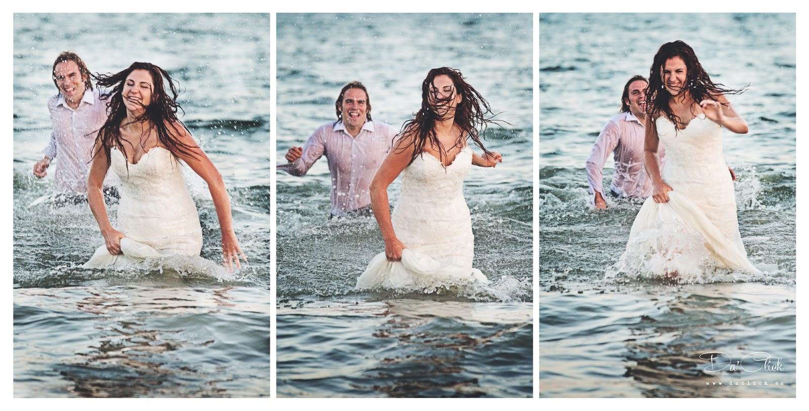 vestidos de novios dentro del agua corriendo