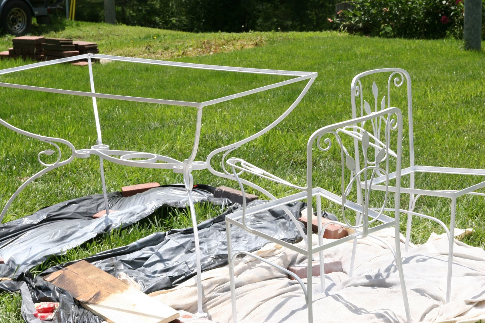 Antique iron patio furniture - Vintage Patio Table Makeover Amazing Transformation