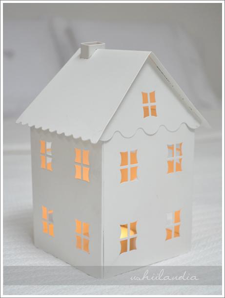 metalowy świecznik domek