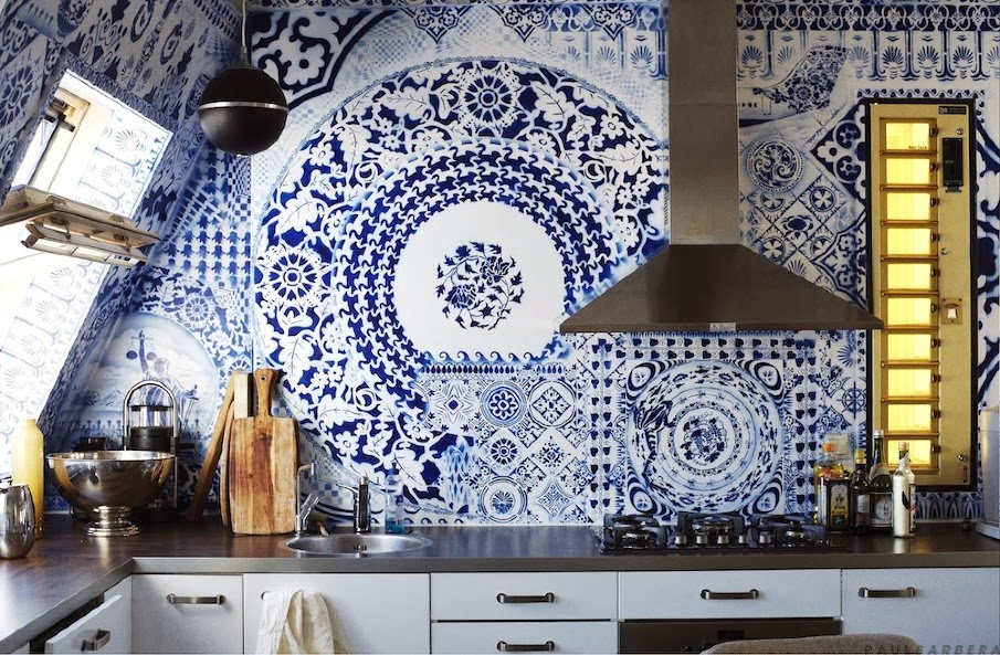 Blue and white ceramic kitchen tiles