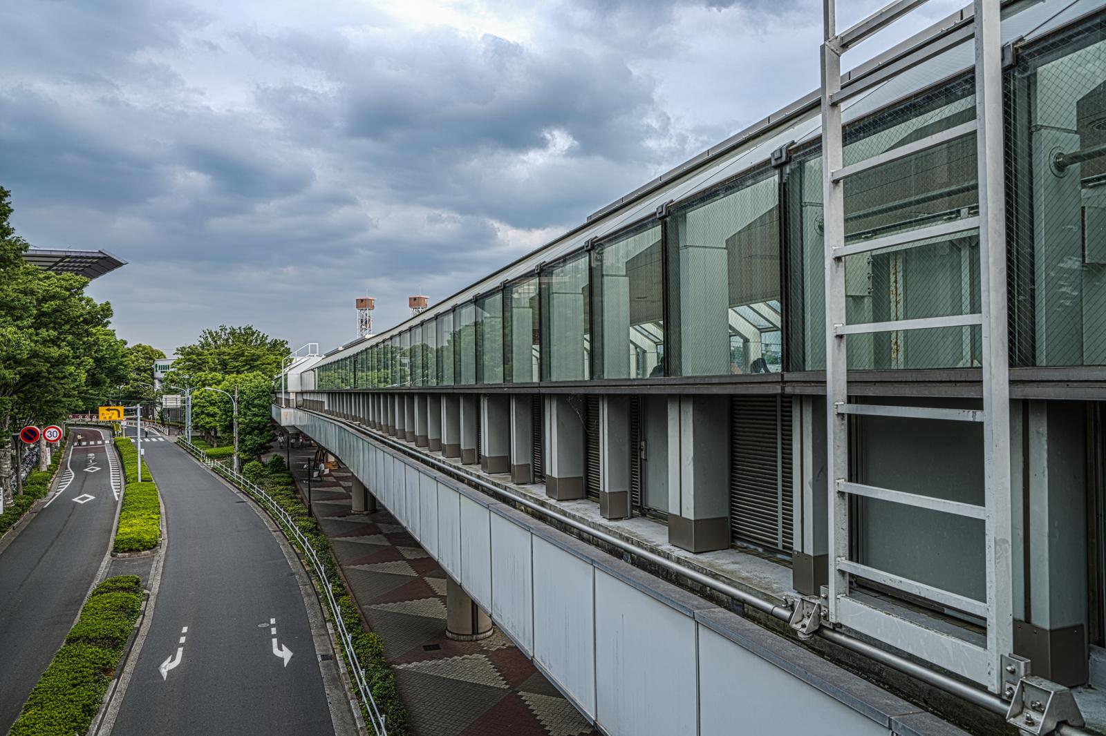 専用歩道橋のHDR写真