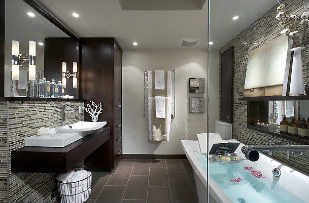 Gentil Some People Are Blessed To Have Large Bathrooms.A Bathroom May Be Small But  Carrying All Arrangements And Necessaries Predicting Your Life Style And  Should ...