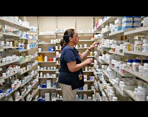 management interview of a walmart store Proper answers to common store manager interview questions the store manager is a critical position for an employer to fill individuals in this position do not only fulfill a specific set of duties, but they also oversee the efforts of others and therefore play a strong part in determining the success or failure of the store.