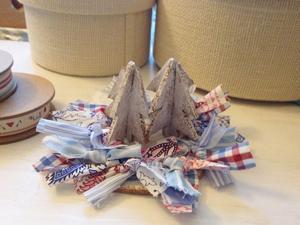Little hannah xmas diy un centro de mesa hecho a mano - Centros de mesa navidenos hechos a mano ...