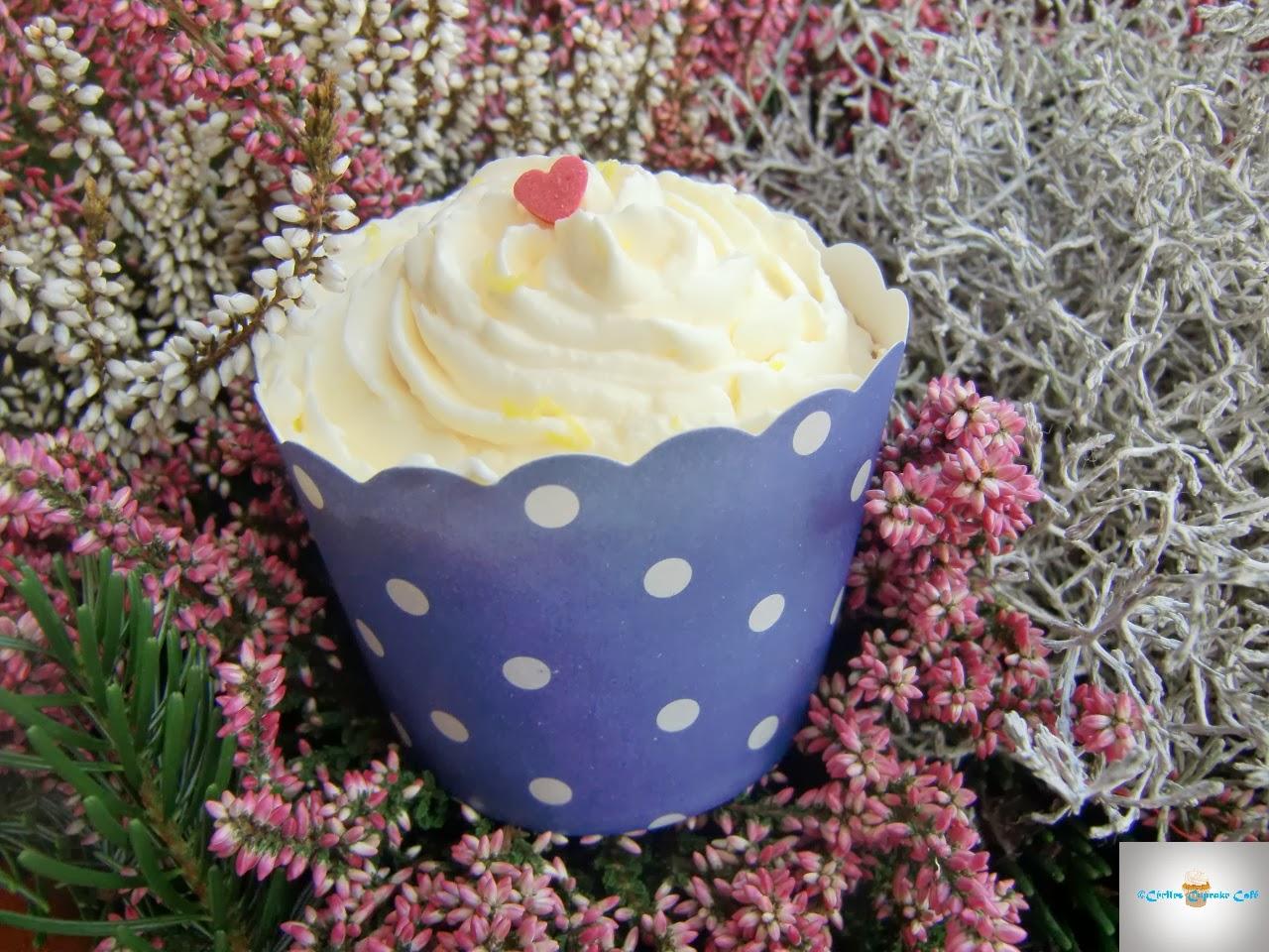 http://cecilecupcakecafe.blogspot.de/2014/03/himbeer-gries-cupcakes-mit.html