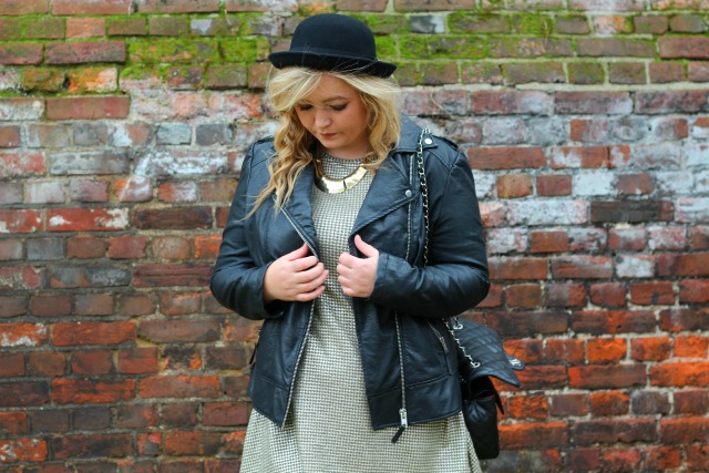 autumn, dogtooth, metallic, outfit, style, fashion, black, biker, leather, jacket, miss selfridge, h&M, black hat, primark necklace, didis boutique, chanel quilted black bag,