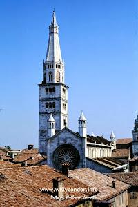 Il Duomo e la Ghirlandina - Modena