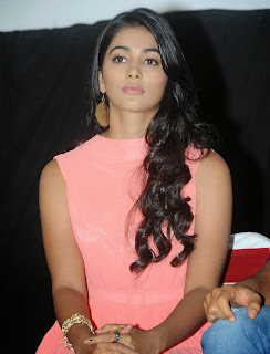 Actress Pooja Hegde Pictures in Short Dress at Oka Laila Kosam Prerelease Press Meet  8.jpg