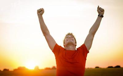 كيف تكون ناجحاً ,شاب ناجح متحمس سعيد فرحان رجل,happy man successful guy
