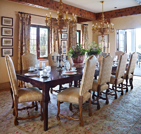 New home interior design old world style in a farmhouse for Beautiful dining rooms