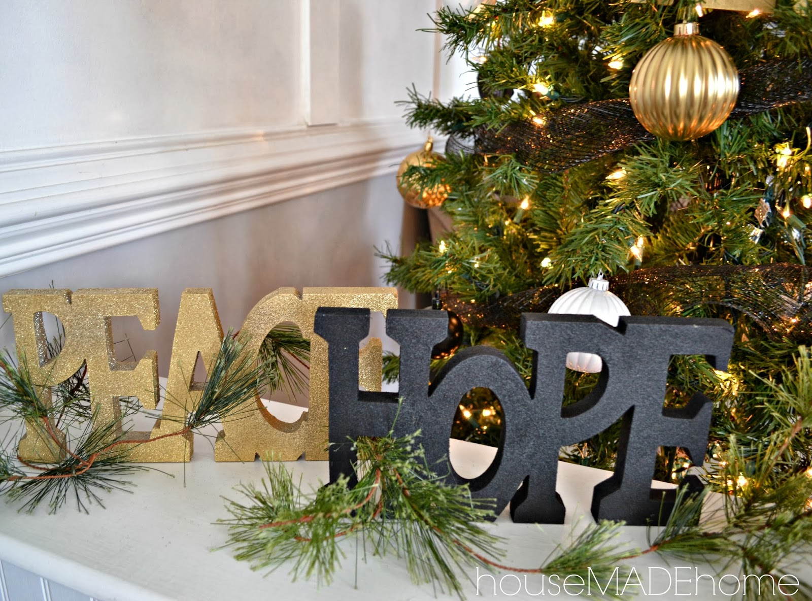 Hmh designs a modern glam christmas home tour - Awesome the modern christmas decorations ...