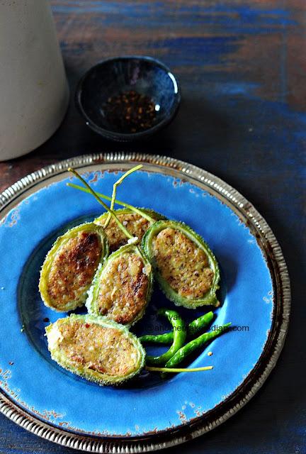 Kankroler Pur Bhaja (stuffed Teasel Gourd)
