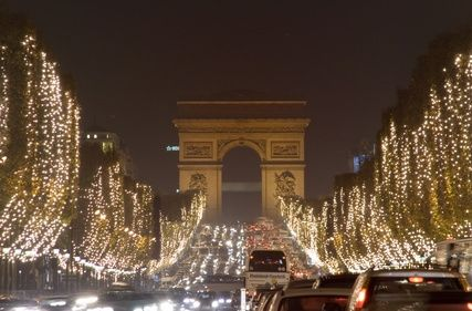 Paris In December Free Download Wallpaper