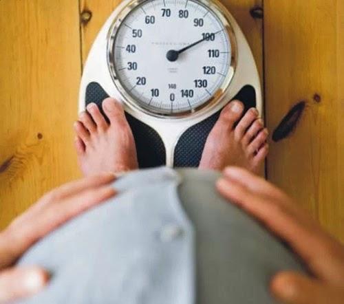 Berat badan ibu mengandung tak naik ketika hamil 7 bulan, pertambahan berat badan yang sihat ketika hamil, sebab peningkatan berat badan penting semasa mengandung, berat badan turun hamil 7 bulan, kenaikan berat badan ibu hamil, kesan berat badan berlebihan semasa mengandung tanda pre eklampsia