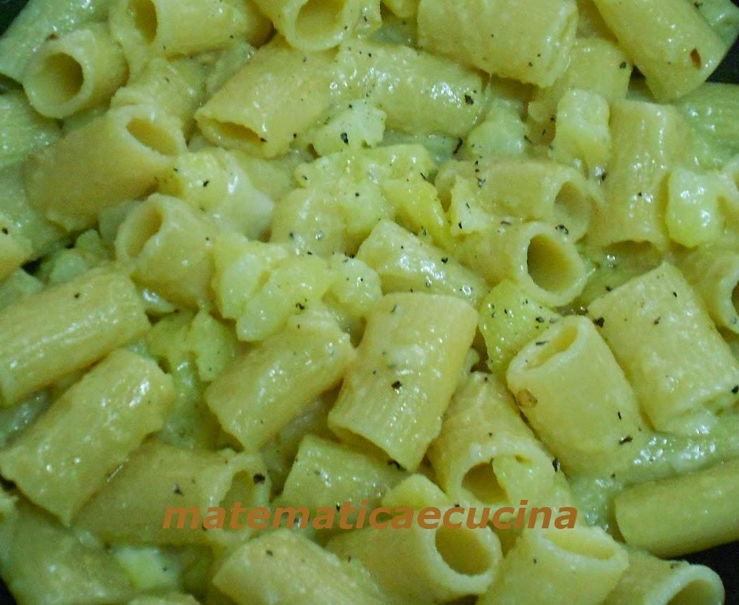 pasta e patate con la provola in bianco