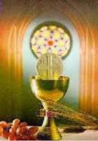 Pan y vino sobre el altar son ofrendas de amor