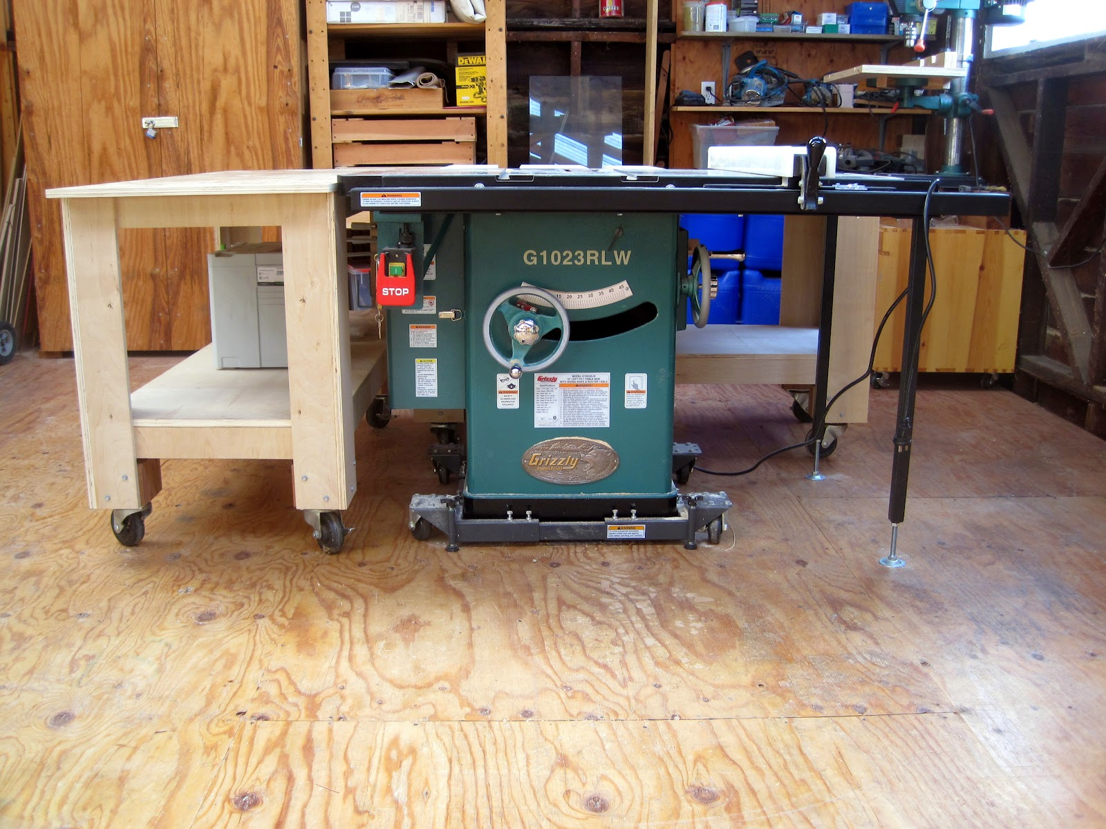 Manual getting to know the grizzly g1023rlw table saw plus 1st the crate was well intact when i received it i fabbed up a sturdy dolly to ease it back into my shop luckily i had some old osb that improvised as tracks greentooth Choice Image