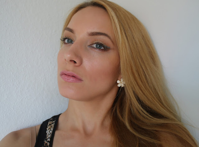 свотчи декоративной косметики Katrin from Berlin, губы