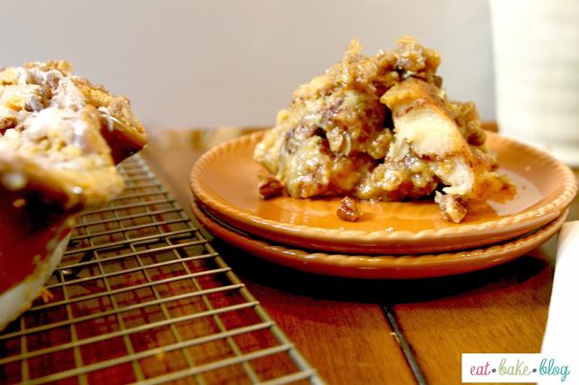 pumpkin cinnamon roll recipe streusel topping recipe