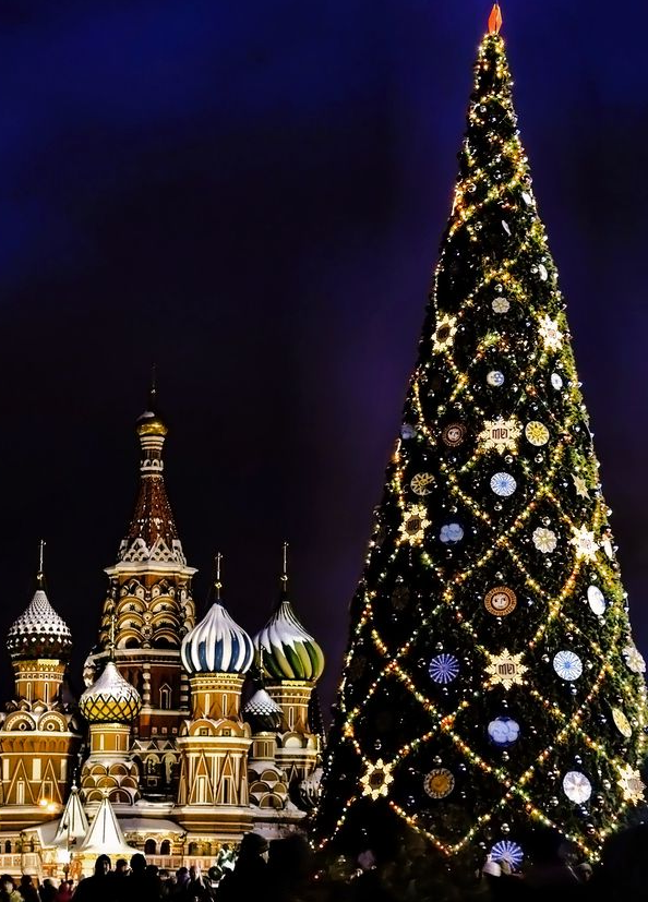 christmas tree in red square moscow
