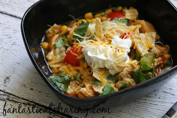Chicken Fajita Soup for a busy day | Sometimes we need an extra hour or two in the day, but until that happens, this soup is a lifesaver! #recipe